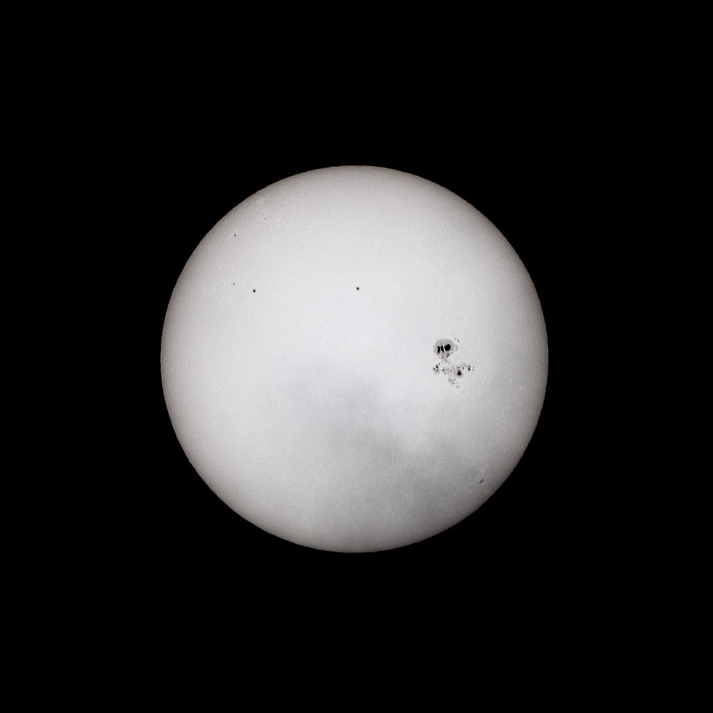 Sunsport AR2192, 20141025, 1006UT. William Optics GT81, Lunt solar wedge, Canon EOS 60D, ISO100, 1/8000s.